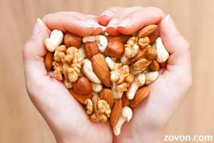 Consumption of nuts associated with decreased risk of heart diseases