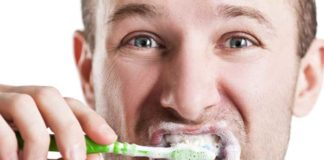 triclosan can stay for long on toothbrushes