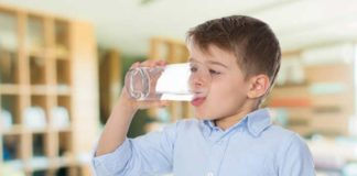 water in lunchtime can helpprevent childhood obesity