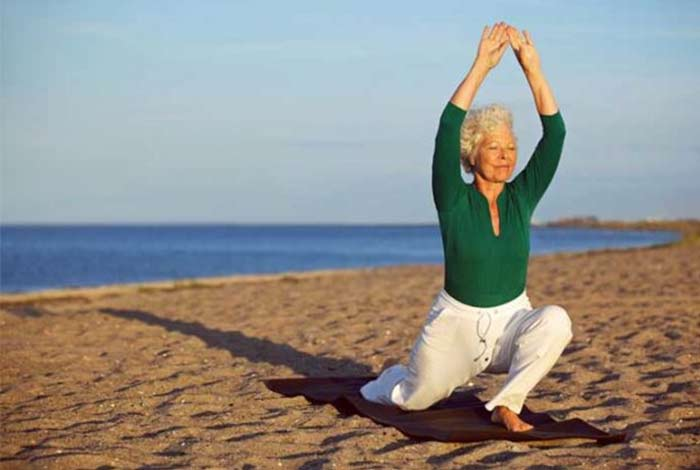 aerobic exercise might slightly delay and mildy reduce alzheimer's symptoms