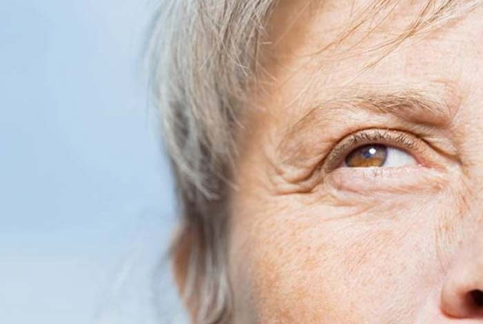 age related macular degeneration symptoms causes prevention & treatment